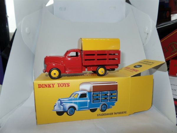 Atlas French Dinky   25L STUDEBAKER TAPISSIERE RED & YELLOW TRUCK